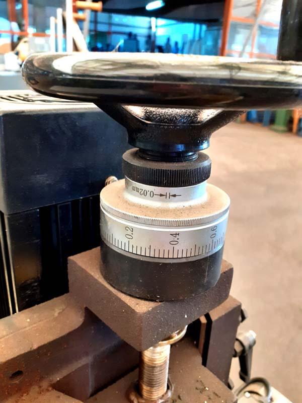 Grinding hight adjusting.
