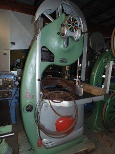 Bansek 1250-17 je proizvodnjeGiben. Snaga motora je 4 KS, prečnik točka 900, a širina točka 35.
