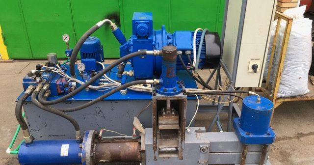 Mašina za briket 1450-17